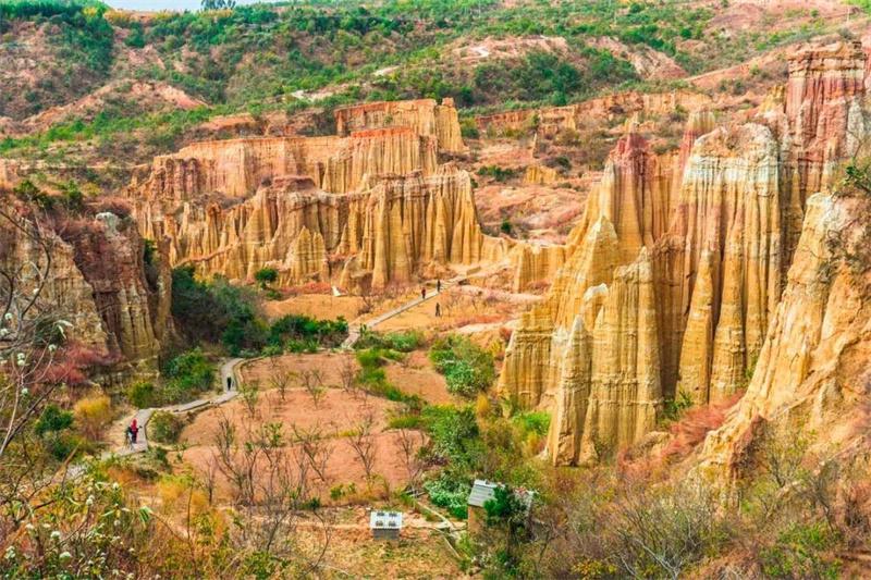 除了188bet官网手机版下载石林  云南还有更多奇特的地貌
